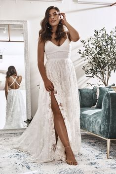 Stop in, unwind, and let the stylists help melt away all the stress with finding the dress at Grace Loves Lace& stunning NYC flagship bridal boutique. Backless Wedding, Boho Wedding Dress, Wedding Gowns, Lace Wedding, Dream Wedding, Wedding Girl, Civil Wedding, Summer Wedding, Wedding Dresses For Girls