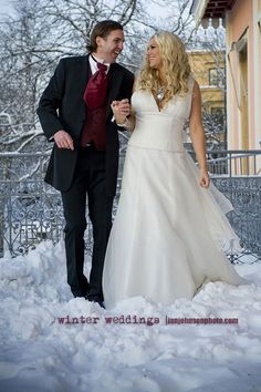 Cold Feet Cold feet associated with weddings come as a natural part of pre-wedding jitters, well this was a different case of cold feet . Wedding Jitters, Cold Feet, Winter Weddings, Photo Tips, Great Photos, Photographers, Wedding Dresses, Fashion, Moda