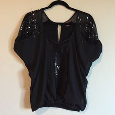 Rock & Roll Cowgirl Sequin Top Very nice condition Rock & Roll Cowgirl Tops Blouses