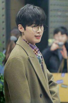 Korean Drama List, Netflix, Asian Babies, Kim Dong, Kdrama Actors, Ji Chang Wook, K Idols, Boyfriend Material, Korean Actors