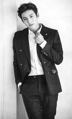 Ji Chang Wook in Magazine _Hanryu Pia_ 2017 Ji Chang Wook Abs, Ji Chang Wook Smile, Ji Chang Wook Healer, Handsome Actors, Hot Actors, Handsome Boys, Actors & Actresses, Hot Korean Guys, Korean Men