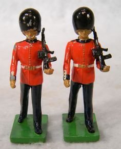 TWO 1990  BRITAINS ROYAL WINDSOR CASTLE GUARDS TOY LEAD SOLDIERS #BRITTAINS