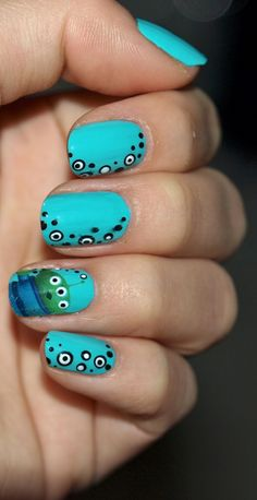 The Happy Sloths: Toy Story Green Alien Nails