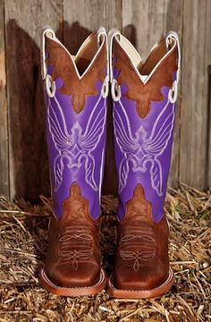 I am in love with these. I want them super bad :(