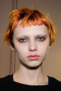 Women usually think twice to grow bangs since the wrong styling will cause disaster. However, with the right styling like listed below, your bangs will be one of the best things in the world. My Hairstyle, Hairstyles With Bangs, Easy Hairstyles, Girl Hairstyles, Girl Short Hair, Short Hair Cuts, Short Hair Styles, Short Wavy, Inspo Cheveux