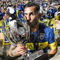 🏆 #BocaCampeón | 9º título en #Boca para Carlos #Tévez y 27º en su carrera. ⠀ ¡Felicitaciones, Apache! 👏💙💛💙 ⠀ #instaxeneize Football, Ronaldo, Carrera, Dragon Ball, Soccer, Goku, Youtube, Lab Coats, Football Pics