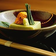 UMU - Mayfair Using the finest ingredients sourced from across the world, Umu serves timeless Japanese cuisine in the heart of Mayfair. London Eats, London Food, London Restaurants, Tired, Places To Go, Brain, Europe, Memories, Dining