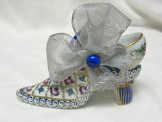 Limoges Peint Main Hand Painted Shoe with Gems Flowers Trinket Box