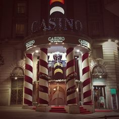"Gijon del Alma on Twitter: ""En el #casino de #Gijon tambien es #navidad, #gijondelalma #decoracion #Christmas https://t.co/WEO3hXrNPe"""