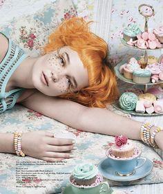 Cuts, cutouts and confetti – girl photoshoot Candy Girls, Makeup Magazine, Magazine Art, Fashion Shoot, Editorial Fashion, Foto Fantasy, 7 Deadly Sins, Fashion Photography Inspiration, Poses