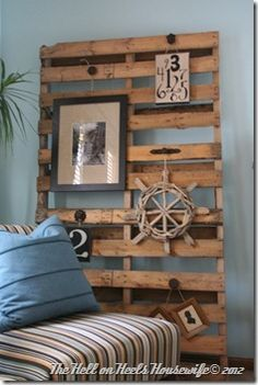 like this upcycled idea, pallets can be used for so many things