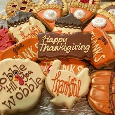 Thanksgiving cookies #confetticookies Confetti Cookies, Thanksgiving Cookies, Decorated Cookies, Cookie Decorating, Sugar, Desserts, Food, Frosted Cookies, Tailgate Desserts
