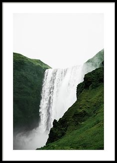 Posters with nature themes and lovely photo prints with nature - forests, mountains and lakes. Find our entire assortment of posters with nature design here at Desenio. Picture Wall, Photo Wall Art, Iceland Pictures, Country Wall Art, Iceland Waterfalls, Beach Posters, Nature Posters, Les Cascades, Green Landscape