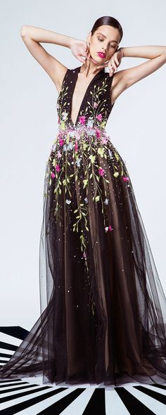 """Georges Hobeika """"Signature"""", S/S 2015 - Ready-to-Wear - http://www.orientpalms.com/georges-hobeika-5091"""