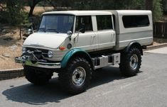 1976 Mercedes Benz UNIMOG Doka - If your gonna do 4 wheel drive, do it right. Get one of these.