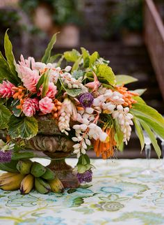 A lush floral centerpiece plus bananas is suitable for a tropical or beach wedding Tropical Flowers, Exotic Flowers, Beautiful Flowers, Fruit Flowers, Wedding Flower Pictures, Bright Wedding Flowers, Floral Wedding, Burgundy Wedding, Boho Wedding