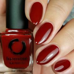 christmas nail art ideas for early 2020 page 9 Dark Red Nails, Maroon Nails, Short Red Nails, Christmas Nail Designs, Christmas Nail Art, Coffin Nails, Acrylic Nails, Manicure, Red Nail Polish