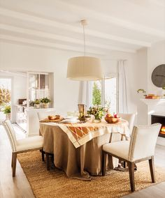 Featuring our Magnolia suspension lamps Interior Styling, Interior Decorating, Interior Design, Dining Chairs, Dining Table, Dinner Room, Restaurant, Best Dining, Decoration