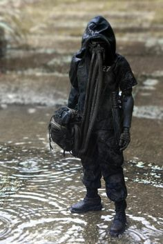 Visions of the Future: Cyberpunk Post Apocalyptic Costume, Post Apocalyptic Fashion, Gas Mask Art, Gas Masks, Concept Clothing, Ashley Wood, Female Character Design, Post Apocalypse, Medieval Fantasy