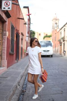 40 Charming Sporty Outfit Ideas With a Dress For Women Sporty Outfits, Chic Outfits, Summer Outfits, Fashion Outfits, Dress Fashion, Simple Dresses, Casual Dresses, Vacation Outfits, Mode Inspiration