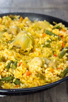 Paella de verduras Vegetarian Recipes Easy, Rice Recipes, Veggie Recipes, Cooking Recipes, Healthy Recipes, Rice Dishes, Vegan Dishes, Veggie Main Dishes, Colombian Food