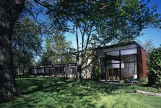 An Iconic Lens on Preservation --- Conserving Chicago's mid-century homes with legendary California Modernist photographer Julius Shulman : Edward Dart's Miller House in Olympia Fields, Ill.