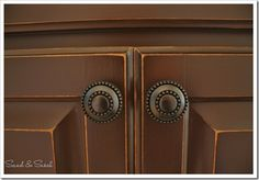 Paint builder-grade cabinets with Rustoleum Transformations | sand and sisal