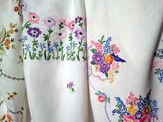 Vintage table cloths - love them./bb