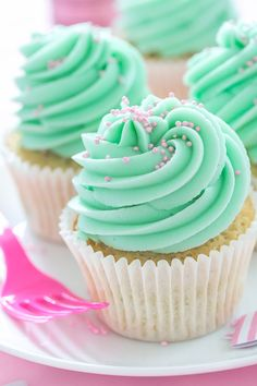 Vanilla Caramel Cupcakes #frosting   #sprinkles   #pastel