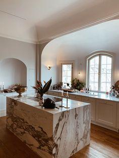 Kitchen Interior, Home Interior Design, Kitchen Decor, Kitchen Design, Style At Home, Dream Rooms, Beautiful Kitchens, Home Fashion, Home And Living