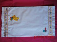 Almohada para sábana de cuna pintada a mano y confeccionada en casa