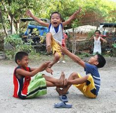 children – Buhay Pinoy – Filipino Life in Pictures, Philippines Childhood Games, Childhood Memories, Masskara Festival, Philippines Culture, Filipino Culture, Traditional Games, We Are The World, My Heritage, Pinoy
