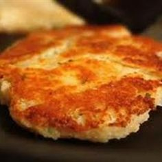Instant Mashed Potato Pancakes - BTW, the cup of instant potato flakes in this recipe is equal to a pouch of instant potatoes. Mashed Potato Pancakes, Mashed Potato Recipes, Potato Cakes, Potato Dishes, Potato Flakes Recipe, Flake Recipes, Instant Mashed Potatoes, Potato Patties, Food Wishes