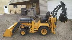 Loader And Backhoe Built For Deere 318 Garden Tractor Small Tractors, Compact Tractors, Old Tractors, Lawn Tractors, Old Ford Trucks, Lifted Chevy Trucks, Pickup Trucks, John Deere Garden Tractors, Garden Tractor Attachments
