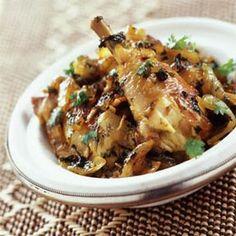 cuisine marocaine - Recette marocaine de la guedra de poulet aux amandes et aux oignons caramélisés