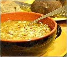 Ricette , aforismi, poesie e qualche canzone Also English version of Italian recipes. Bean Soup, Soup And Salad, Italian Recipes, Chili, Soups, Salads, Beans, Healthy Recipes, Dinner
