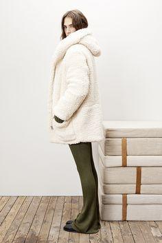 Parka GIROFAR Sweater KALIMNOS Flared pants GLORIA Boots GUITARIST  www.maje.com b792d2a05cb