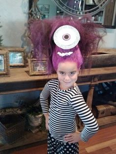 Crazy hair day Despicable Me Crazy Minion // Halloween Costume cheat? Crazy Hair For Kids, Crazy Hair Day At School, Crazy Hair Days, Bad Hair Day, Crazy Kids, Funky Hairstyles, Girl Hairstyles, Halloween Hairstyles, Hairdos