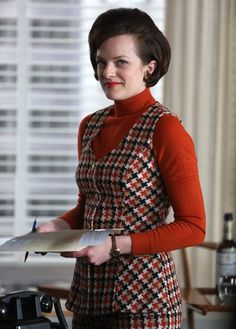 Elisabeth Moss' Best On and Off-Screen Style Moments - Mad Men Season 6 from #InStyle