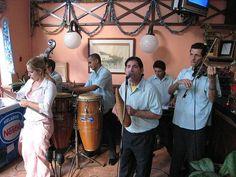 Havana - cafe musicians