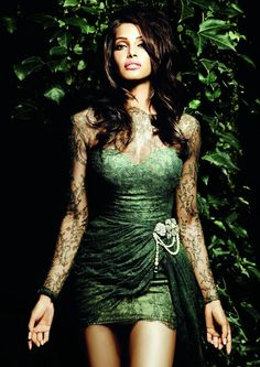 bipasha-basu-vogue - green and black lace!