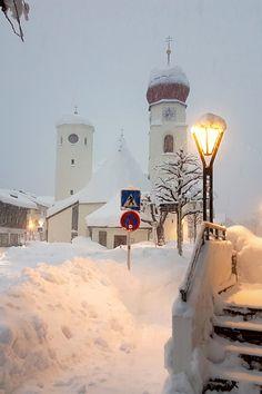 Das Hotel Kirchplatz bietet Ihnen aufgrund seiner optimalen Lage im Herzen St. Antons einen perfekten Ausgangspunkt für alle Ihre Aktivitäten.