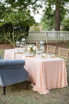 "Centered on the idea of the ""modern Southern Belle"" is today's styled inspiration photographed and shared by Jessica Hunt Photography. Pink Wedding Colors, Pink And Gold Wedding, Wedding Color Schemes, Wedding Blush, Garden Diy On A Budget, Minimalist Wedding Decor, Gardening Photography, Garden Boxes, Wedding Decorations"