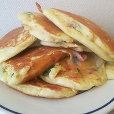Pancakes salés express - Expolore the best and the special ideas about Healthy recipes Savory Pancakes, Savoury Cake, Mini Pizza Recipes, Snack Recipes, Cooking Recipes, Clean Eating Snacks, Healthy Snacks, Cocina Light, Cream Recipes