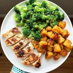 [New] The 10 Best Recipes (with Pictures) - 1234 or Which on is your favorite? Want more meal ideas? Tag a friend & share which one would you pick? Want more post workout meals? This page got you covered Healthy Meal Prep, Healthy Snacks, Healthy Eating, Healthy Recipes, Health Dinner, Food Goals, Aesthetic Food, Food Inspiration, Meal Planning