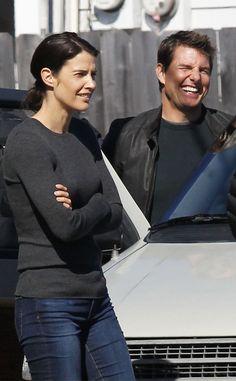 ชอบนางนะ ยิ่งรู้ว่ารับบทเด่นปะกับ ทอม ครุซ Tom Cruise ใน Jack Reacher Movie ภาค 2 Never Go Back... ฟิน !!  (แม้บทดูอ่อนไปนิด ก็ love นางอยู่ดี.... ผู้พันคนสวย)    Cobie Smulders(โคบี สมัลเดอส์)