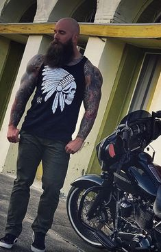 Mens Fashion Hipster – The World of Mens Fashion Bald Men With Beards, Bald With Beard, Great Beards, Long Beards, Awesome Beards, Sexy Beard, Epic Beard, Shaved Head With Beard, Hipster Haircuts For Men