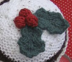 Knitted Holly, thinking of doing this for little christmas gifts for the girls in my class!