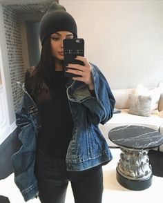 Find images and videos about outfit, moda and kylie jenner on We Heart It - the app to get lost in what you love. Kris Jenner, Moda Kylie Jenner, Kylie Jenner Fotos, Trajes Kylie Jenner, Looks Kylie Jenner, Kylie Jenner Style, Kendall And Kylie Jenner, Khloe Kardashian, Kardashian Kollection