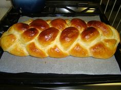 Plaited bread :: Which is out of my kitchen Pastry Recipes, Bread Recipes, Hungarian Recipes, Hungarian Food, Bread And Pastries, Bread Rolls, The Fresh, Sandwiches, Brunch